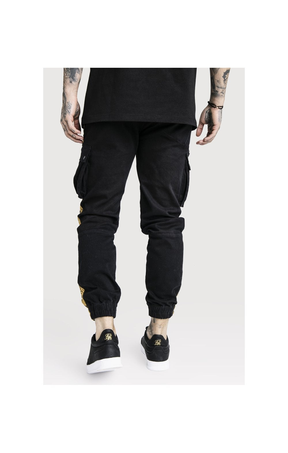 Load image into Gallery viewer, SikSilk x Dani Alves Cargo Pants - Black (4)