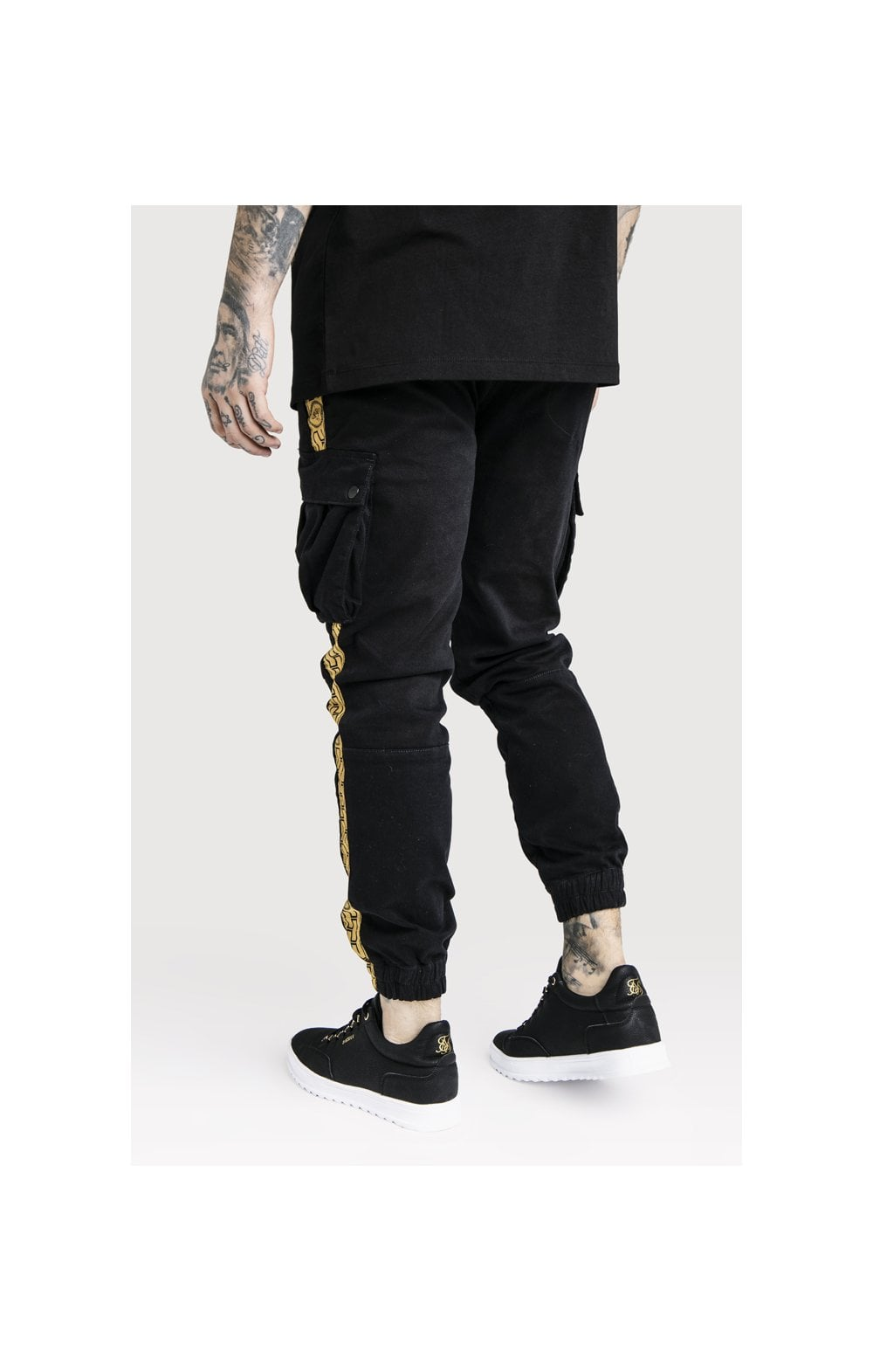 Load image into Gallery viewer, SikSilk x Dani Alves Cargo Pants - Black (5)
