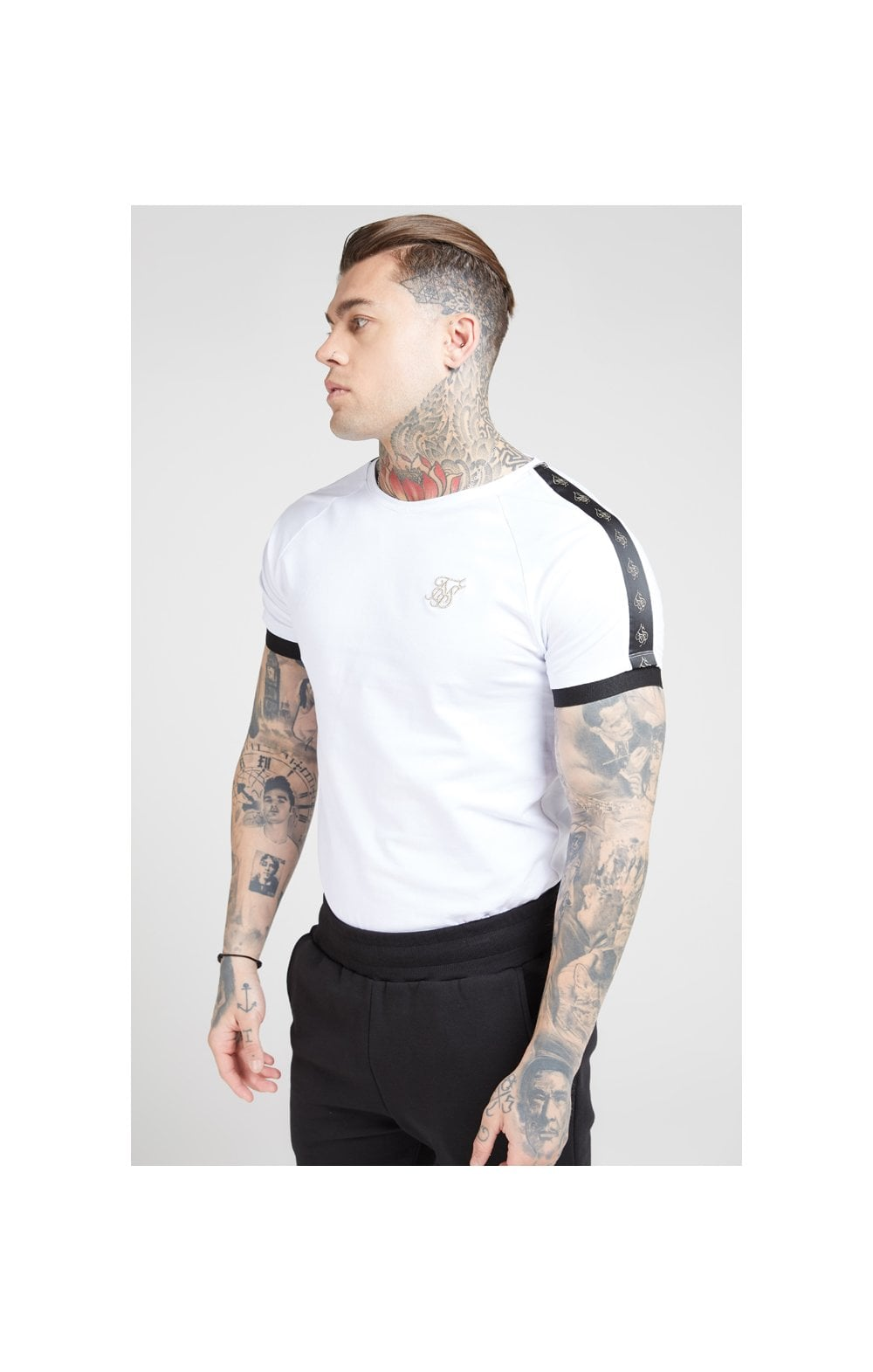 Load image into Gallery viewer, SikSilk S/S Raglan Tech Tee – White