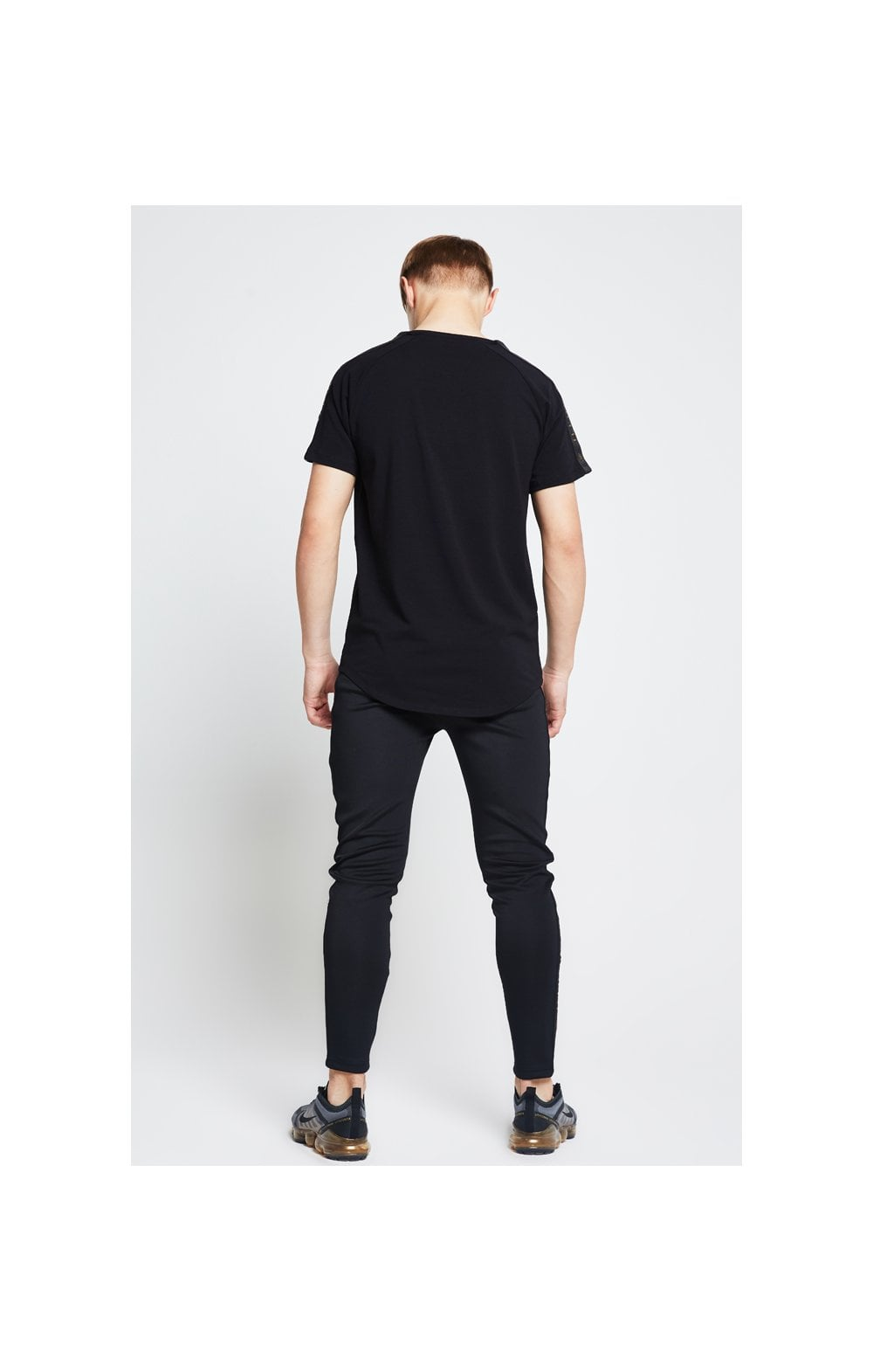 Load image into Gallery viewer, Illusive London Taped Raglan Tee - Black (4)