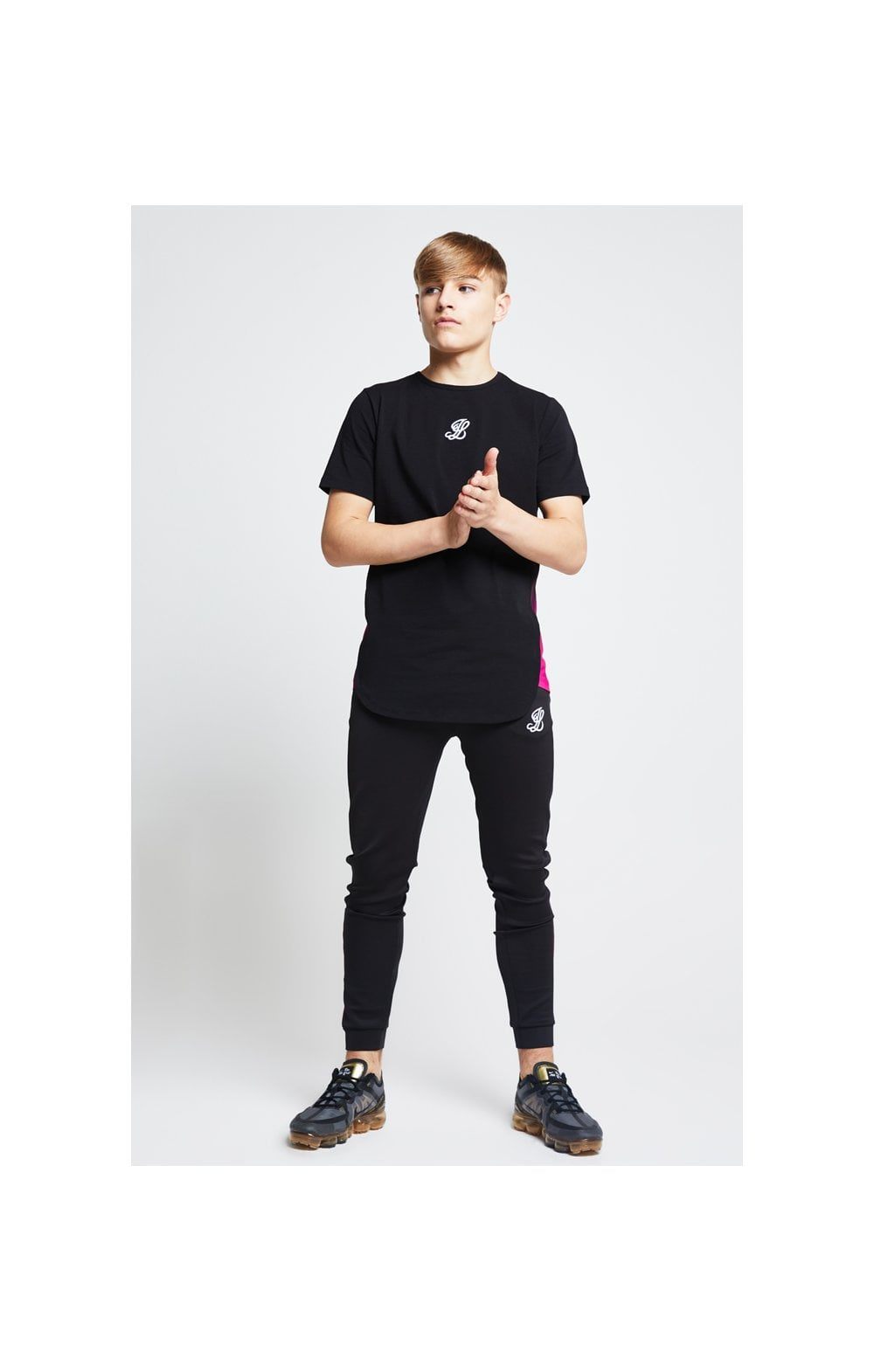 Illusive London Slide Tee - Black & Pink (3)
