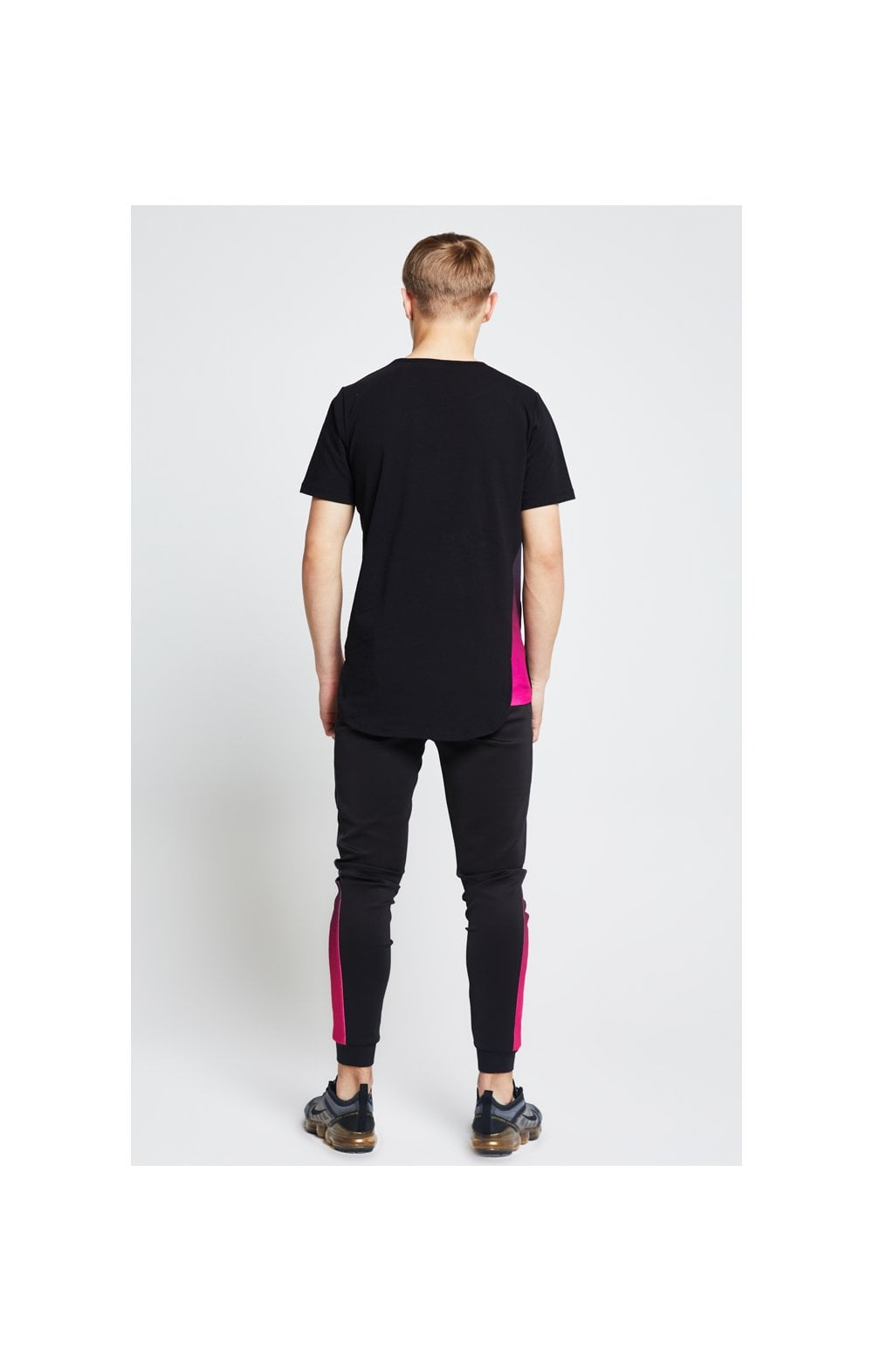 Illusive London Slide Tee - Black & Pink (4)