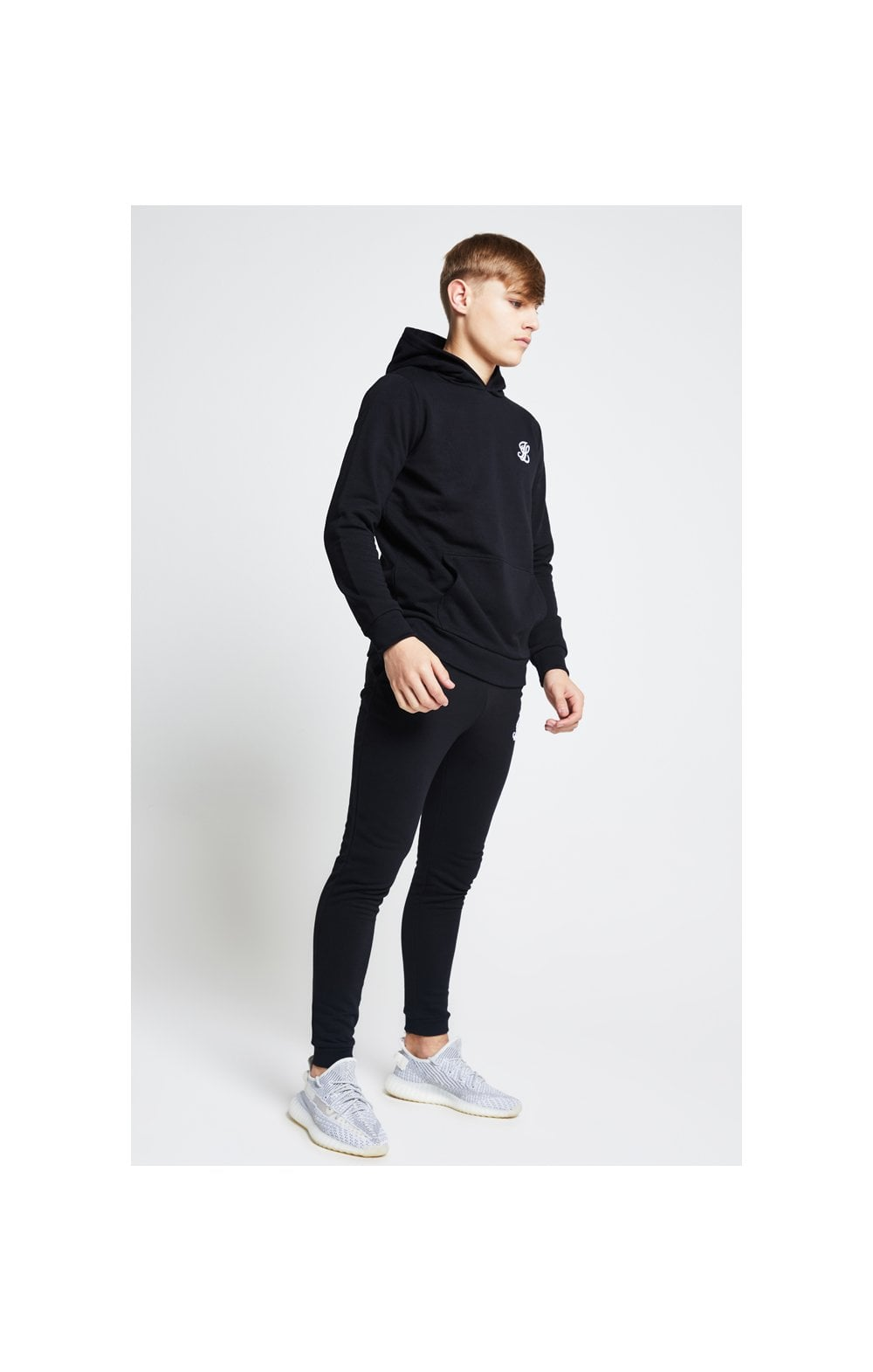 Load image into Gallery viewer, Illusive London Overhead Hoodie - Black (3)