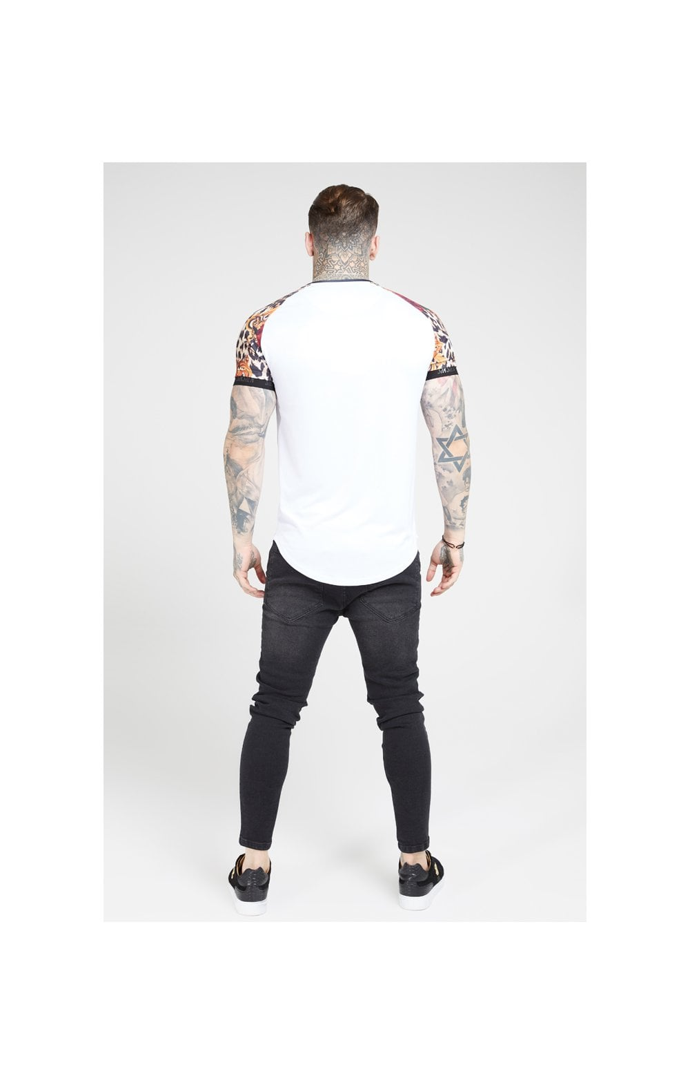 Load image into Gallery viewer, SikSilk S/S Curved Hem Raglan Tech Tee - White & Floral Leopard (4)