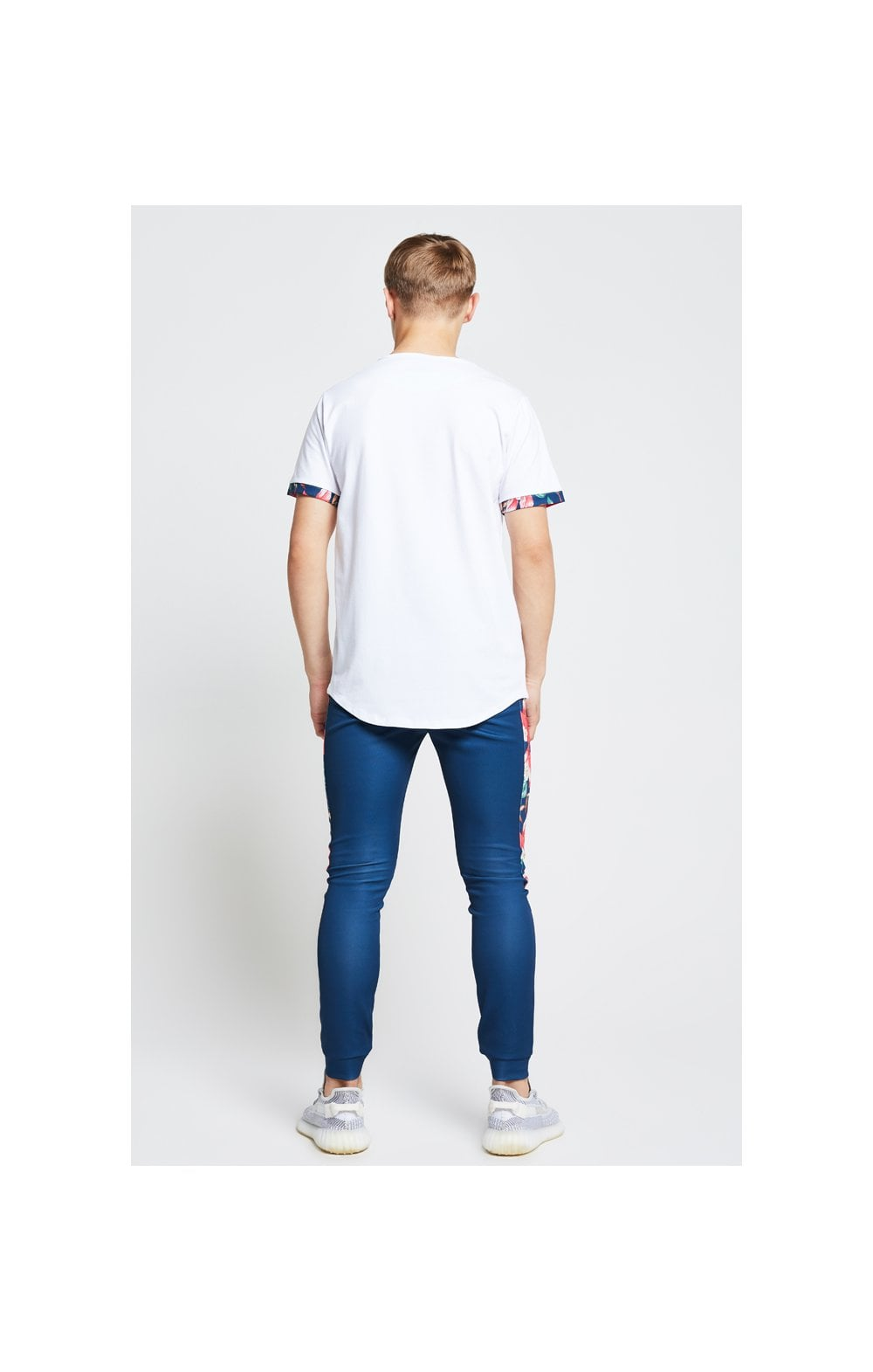 Illusive London Contrast Cuff Tee – White & Tropical Leaf (4)