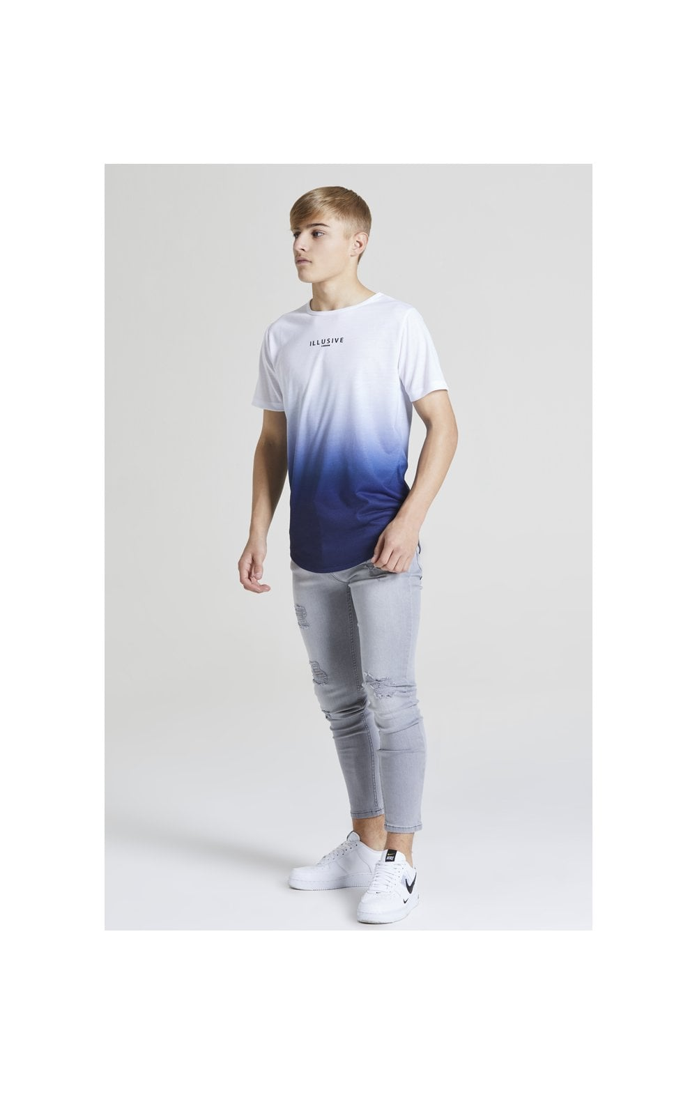 Load image into Gallery viewer, Illusive London Core Fade Tee – White & Navy (3)