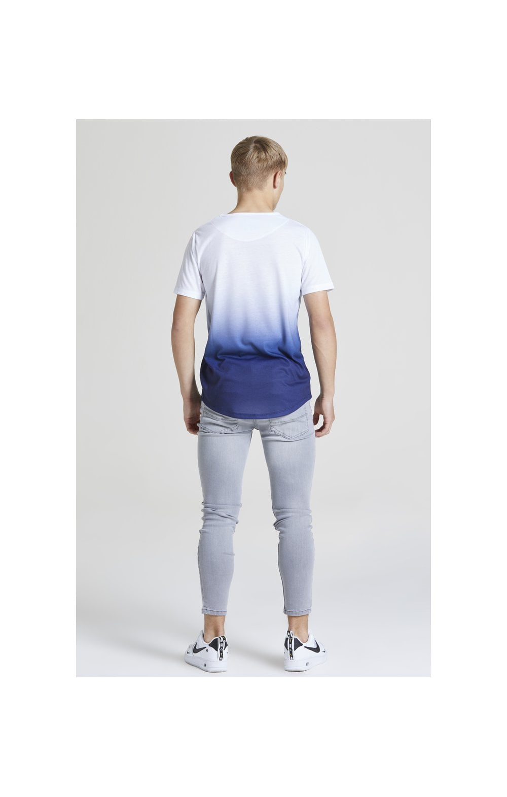 Load image into Gallery viewer, Illusive London Core Fade Tee – White & Navy (4)