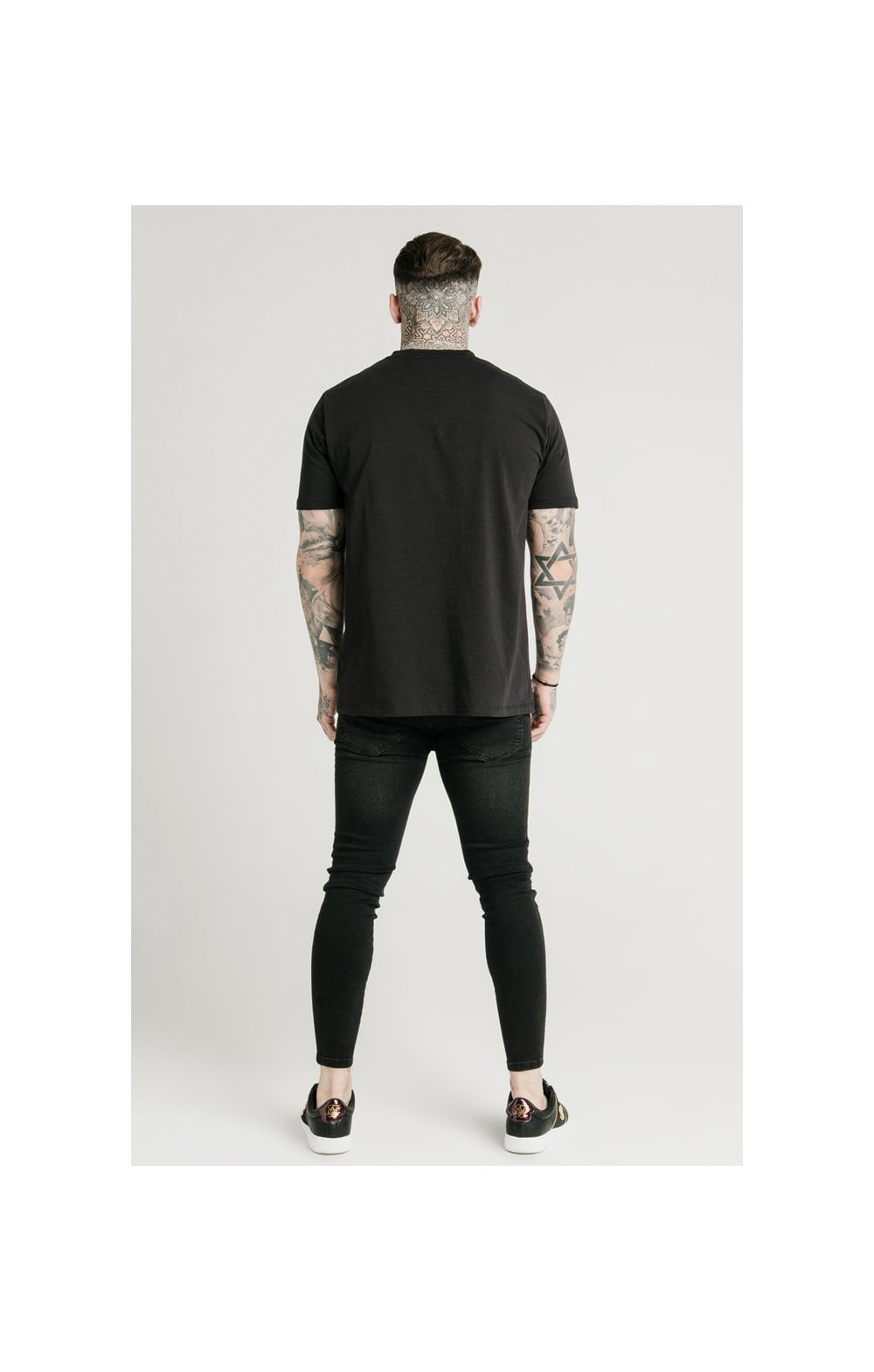 Load image into Gallery viewer, SikSilk Square Hem Standard Tee - Black (5)