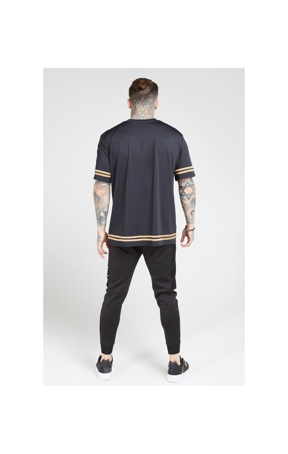 Load image into Gallery viewer, SikSilk S/S Oversize Essentials Tee – Black & Gold (5)