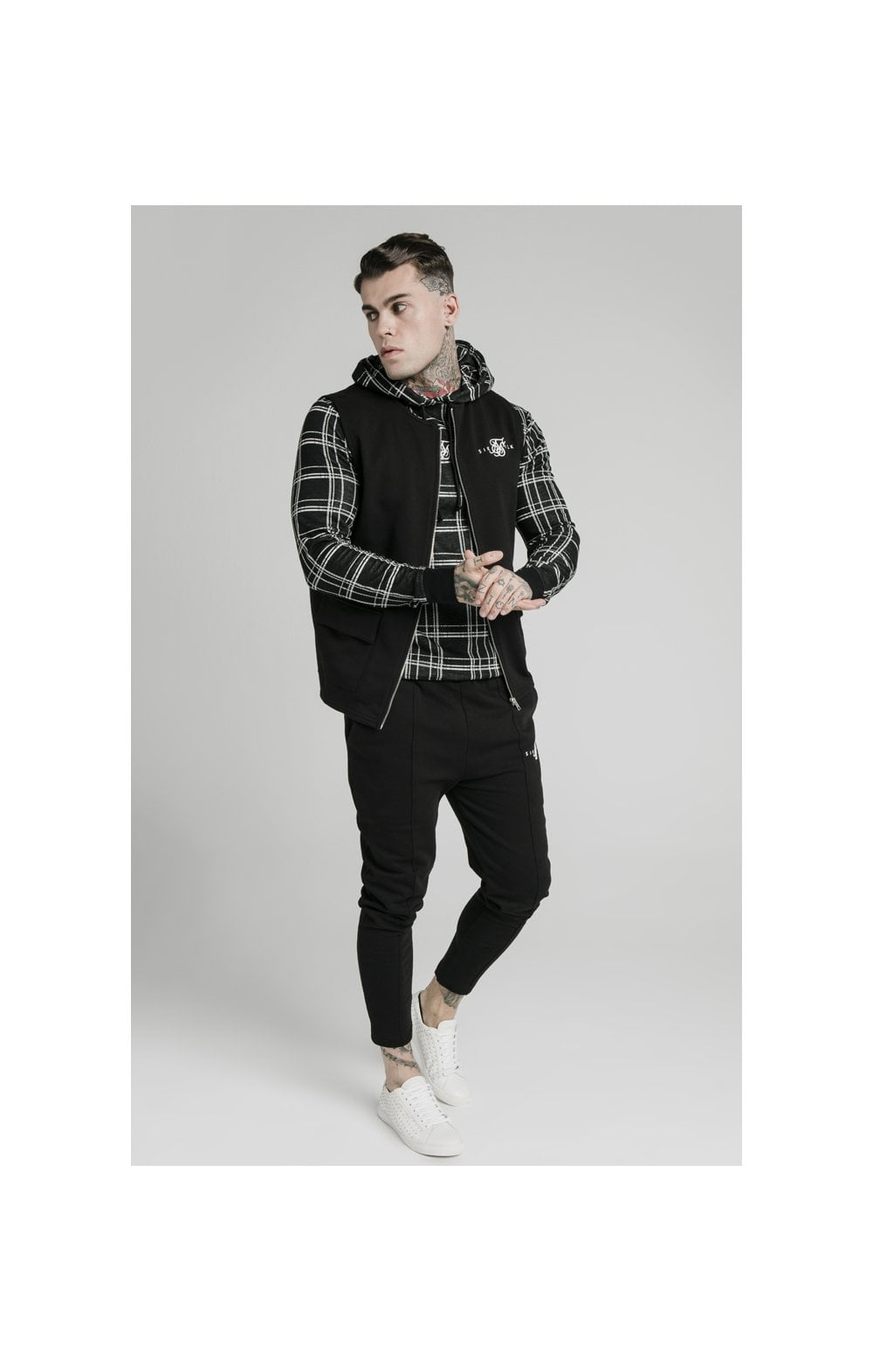 SikSilk Smart Wear Vest - Black (3)