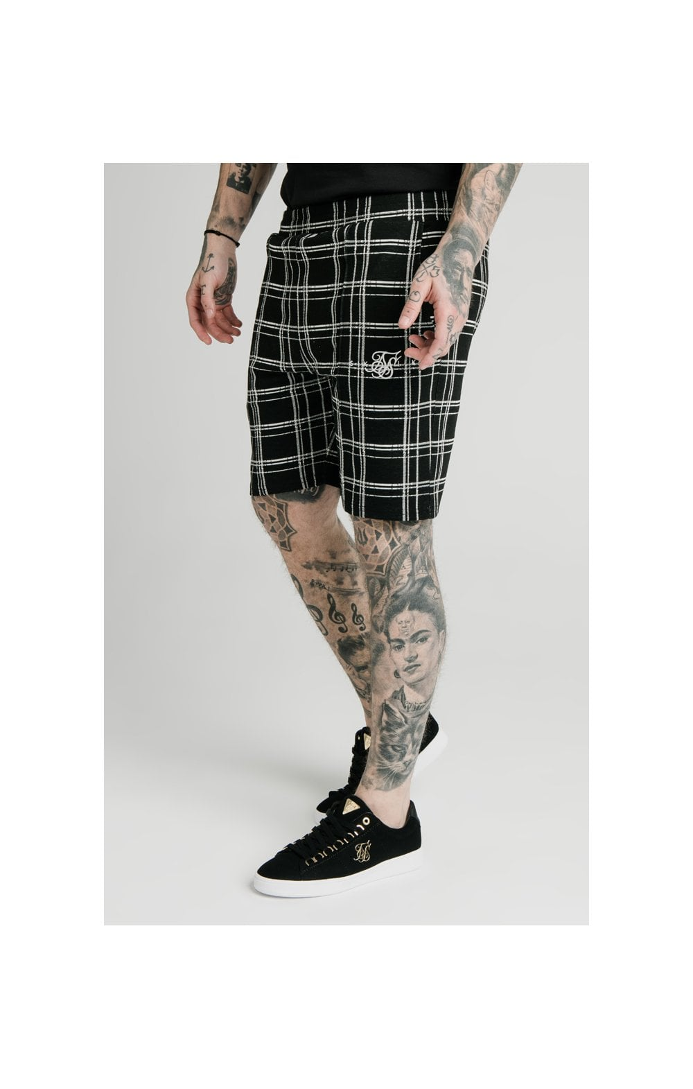 SikSilk Pleated Smart Shorts – Black & White (1)