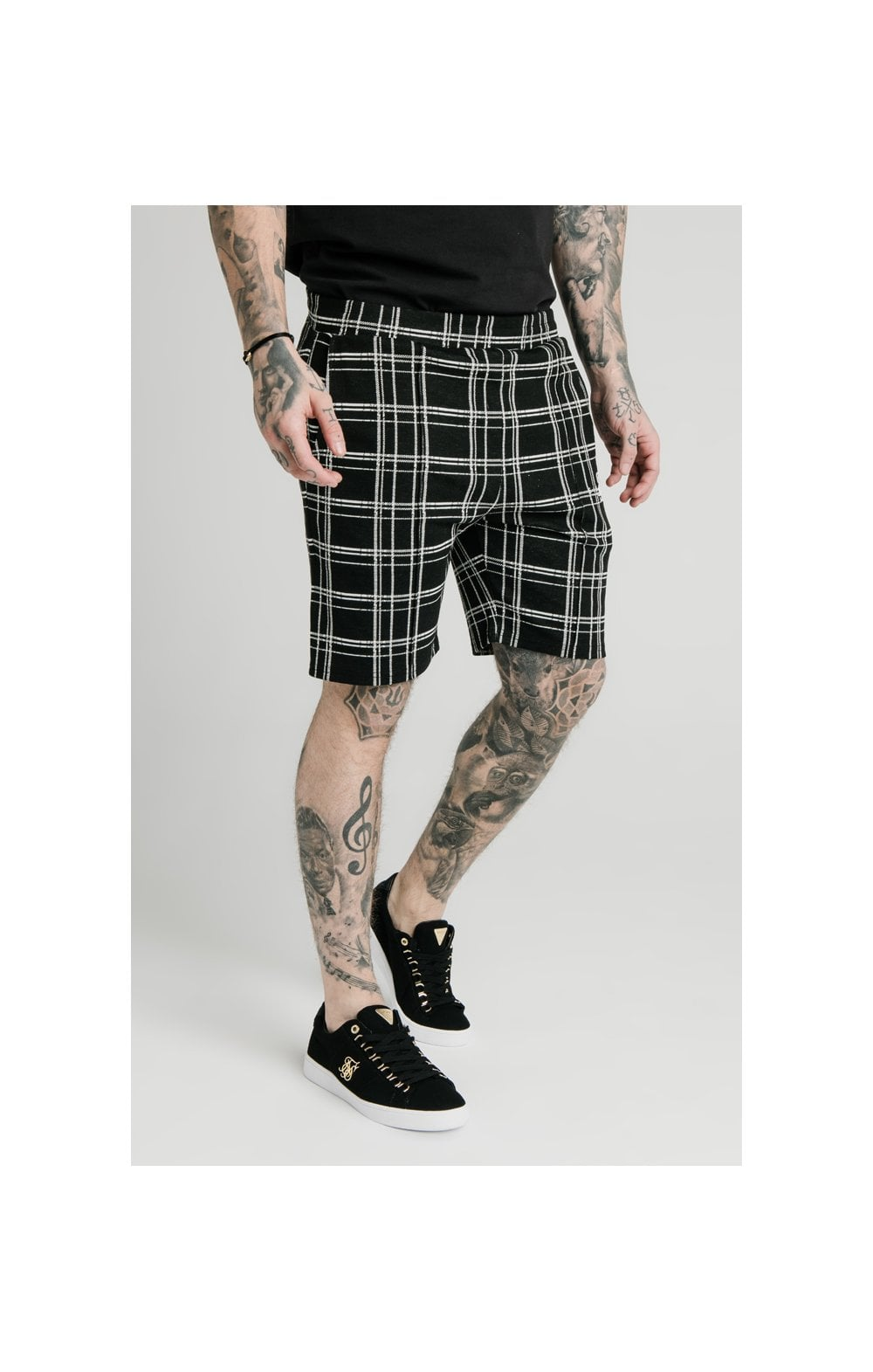 SikSilk Pleated Smart Shorts – Black & White (2)