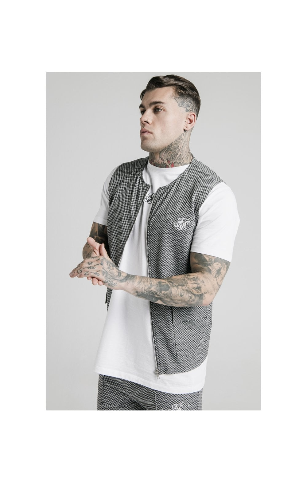 SikSilk Smart Wear Vest - Black & White Dogtooth (1)