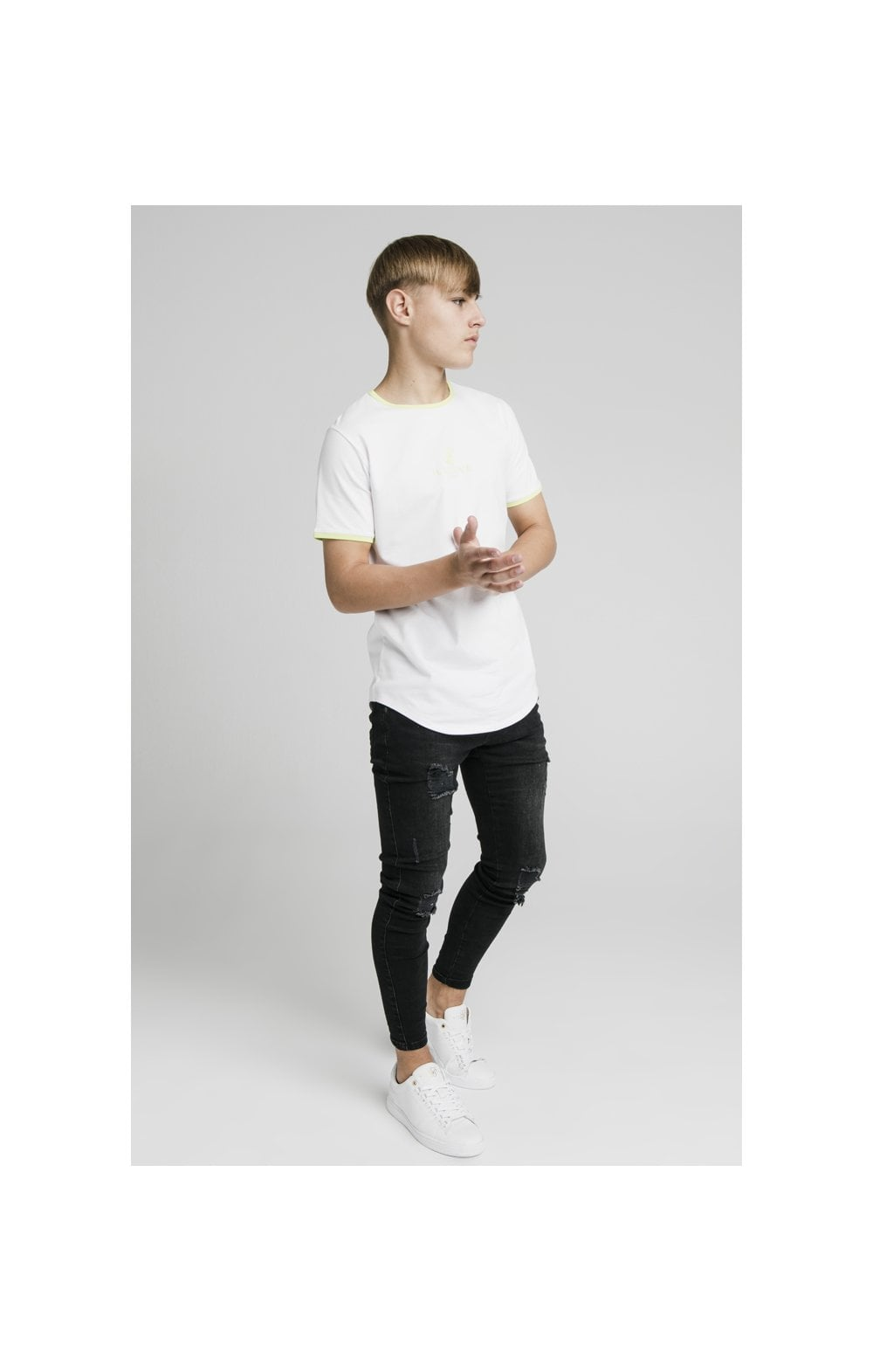 Load image into Gallery viewer, Illusive London Logo Tee - White (4)
