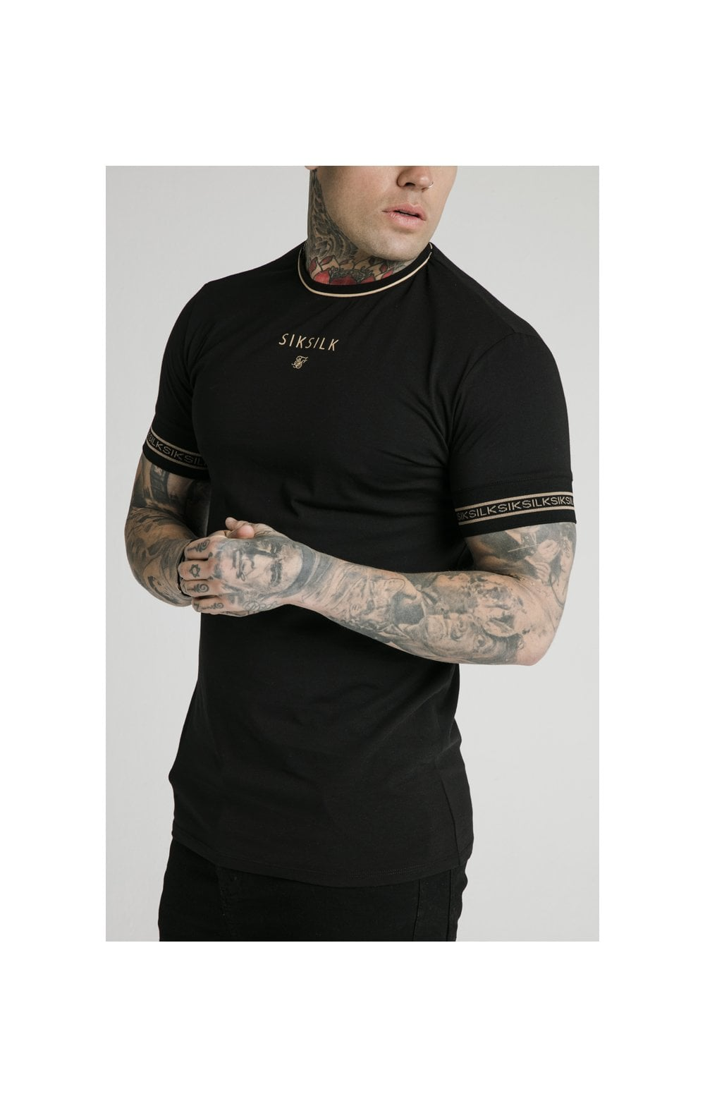 Load image into Gallery viewer, SikSilk Element Straight Hem Gym Tee – Black & Gold (1)