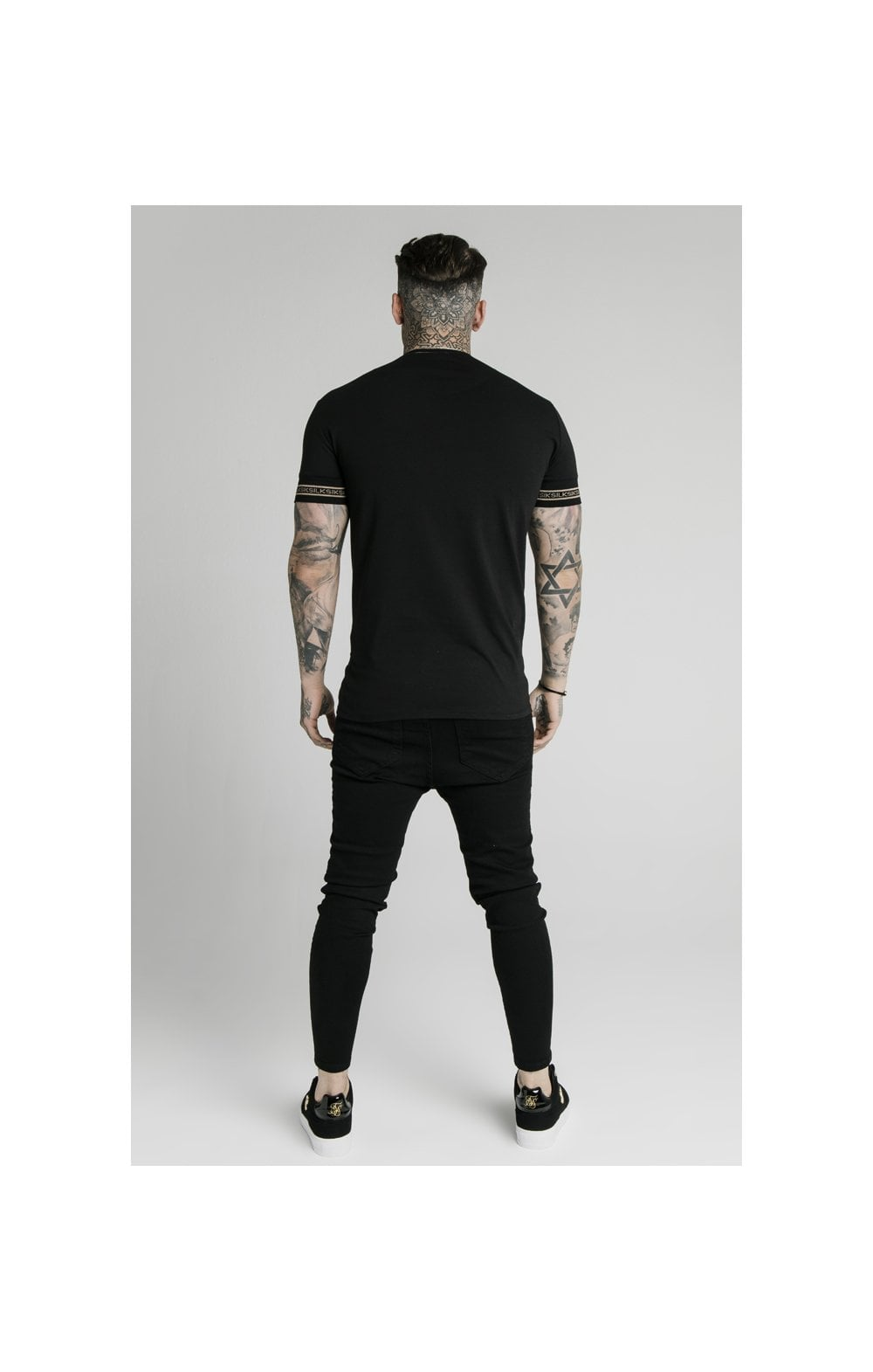 Load image into Gallery viewer, SikSilk Element Straight Hem Gym Tee – Black & Gold (4)