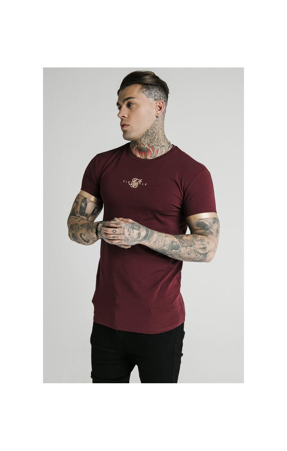 Load image into Gallery viewer, SikSilk S/S Inset Cuff Gym Tee – Burgundy & Gold