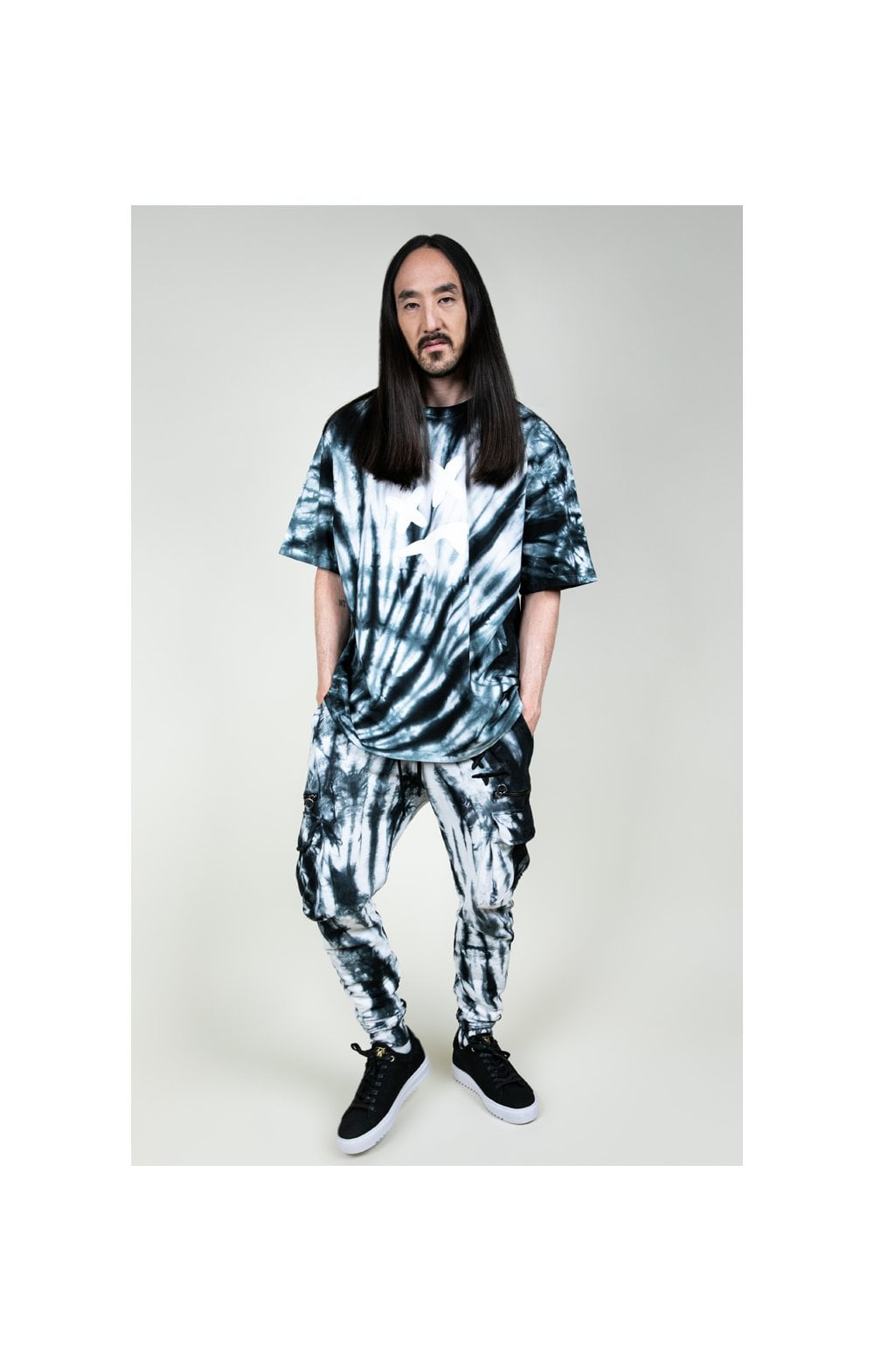 Load image into Gallery viewer, SikSilk X Steve Aoki S/S Oversize Essential Tee – Black & White Tie Dye (2)