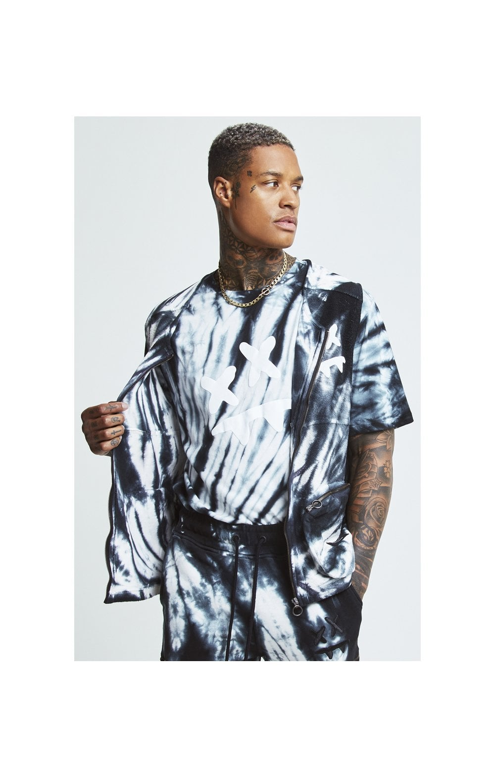 Load image into Gallery viewer, SikSilk X Steve Aoki Utility Vest - Black & White Ink Tie Dye