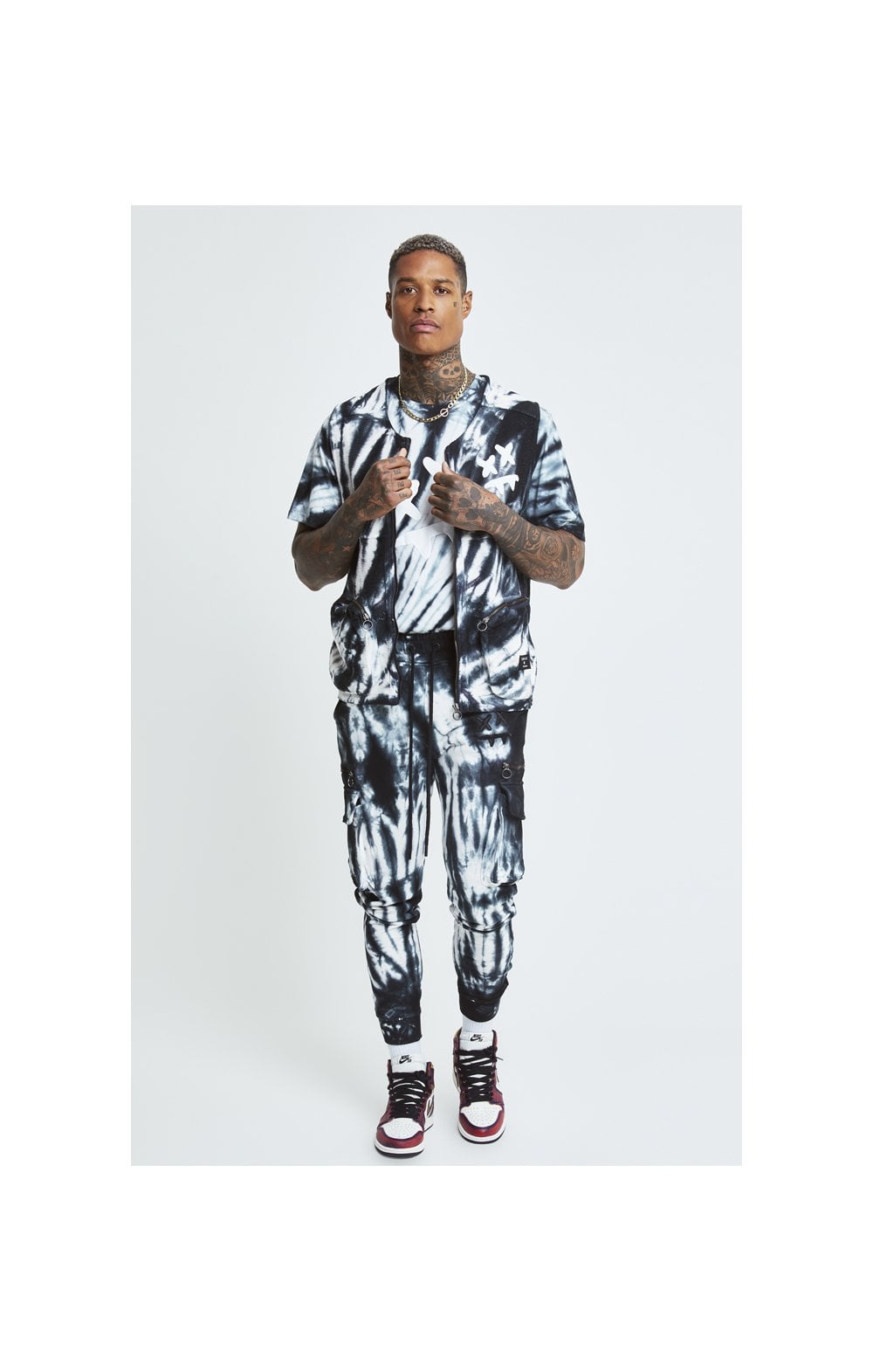 Load image into Gallery viewer, SikSilk X Steve Aoki Utility Vest - Black & White Ink Tie Dye (3)