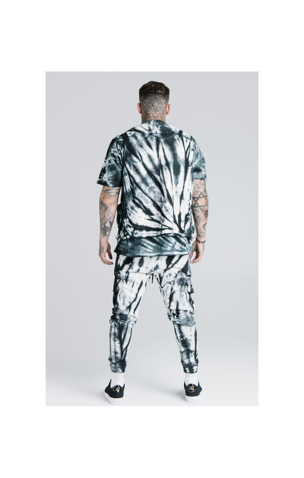 Load image into Gallery viewer, SikSilk X Steve Aoki Utility Vest - Black & White Ink Tie Dye (6)