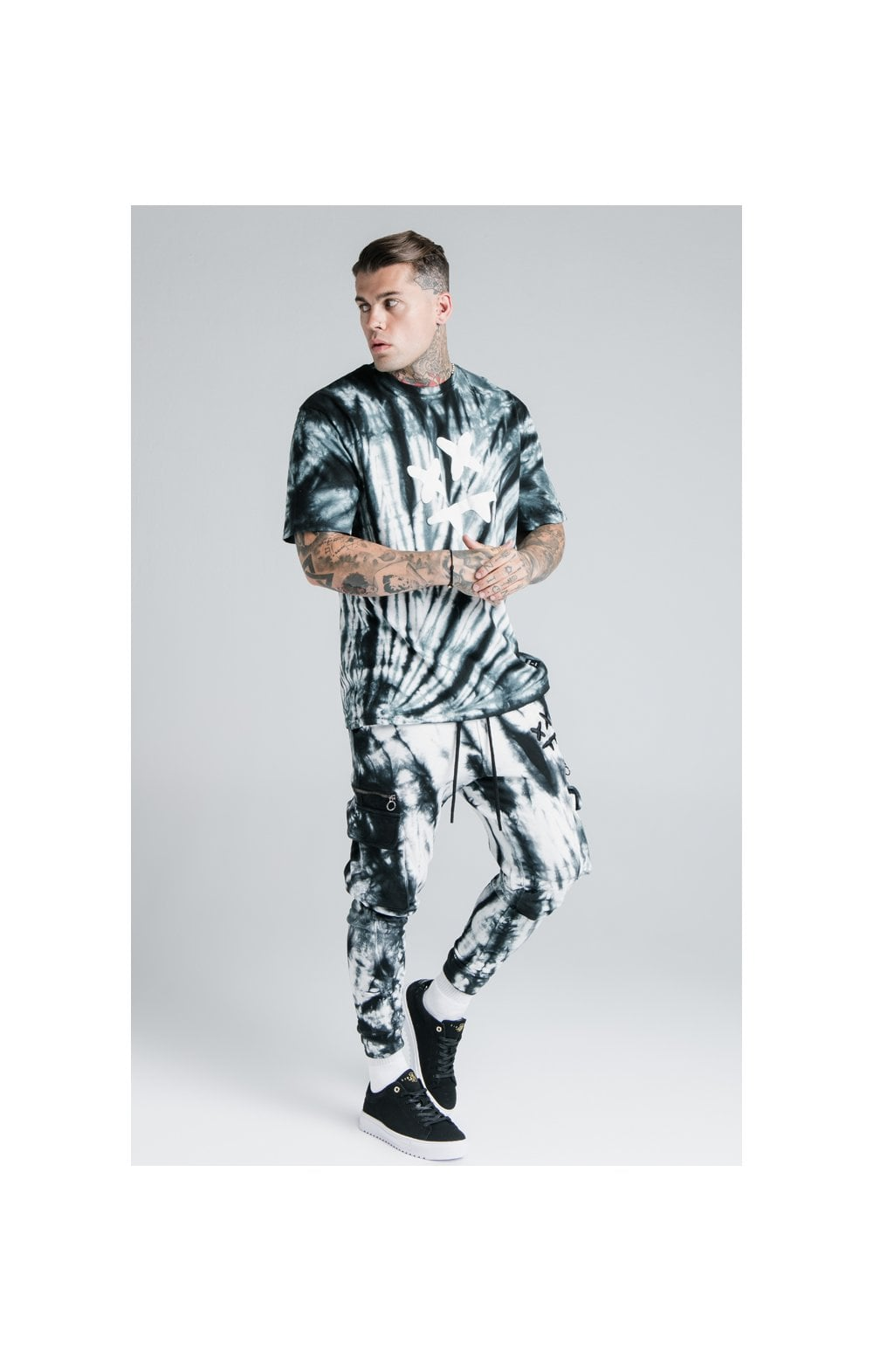 Load image into Gallery viewer, SikSilk X Steve Aoki S/S Oversize Essential Tee – Black & White Tie Dye (6)