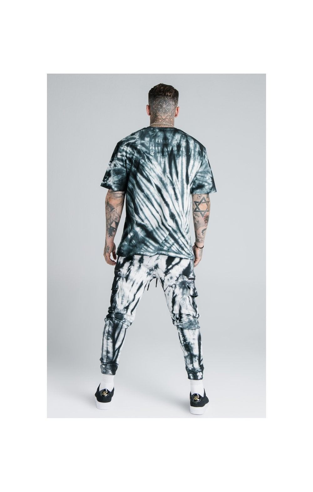 Load image into Gallery viewer, SikSilk X Steve Aoki S/S Oversize Essential Tee – Black & White Tie Dye (7)