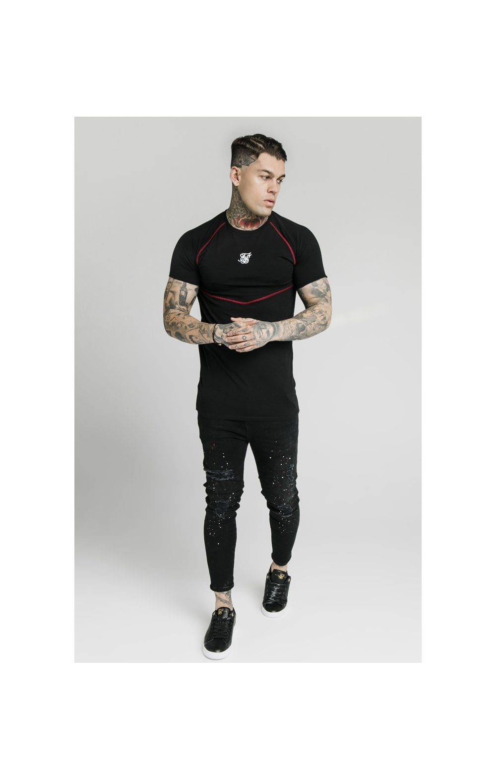 Load image into Gallery viewer, SikSilk Cover Stitch Raglan Gym Tee - Black & Red (4)