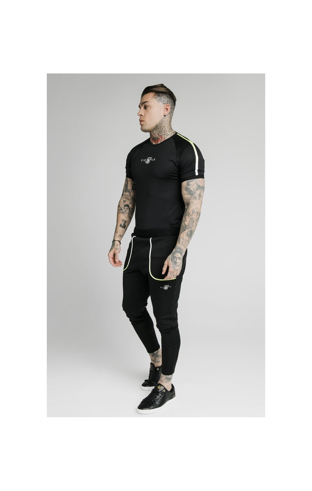 SikSilk Legacy Fade Tech Tee – Black & Fluro White (4)