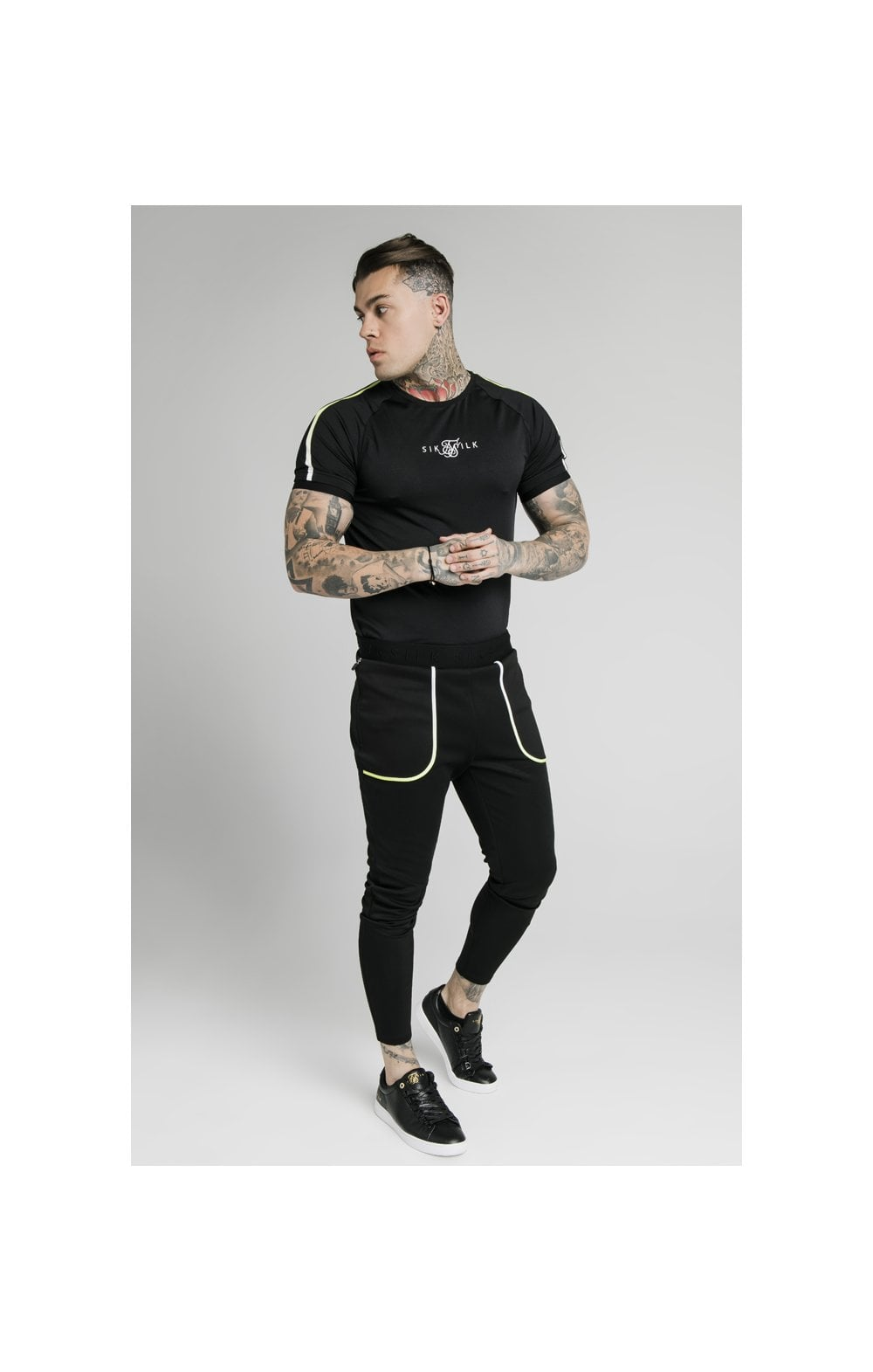 SikSilk Legacy Fade Tech Tee – Black & Fluro White (5)
