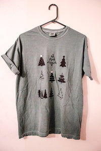 Christmas tree graphic T-shirt