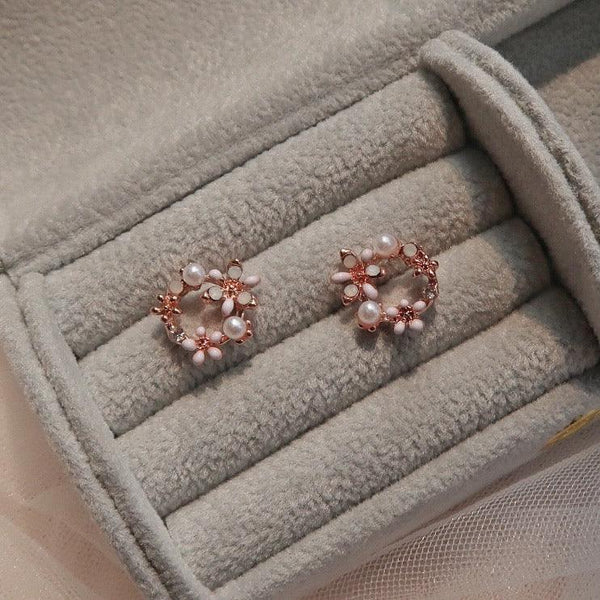White Flower Stud Earrings 057 - Abbott Atelier