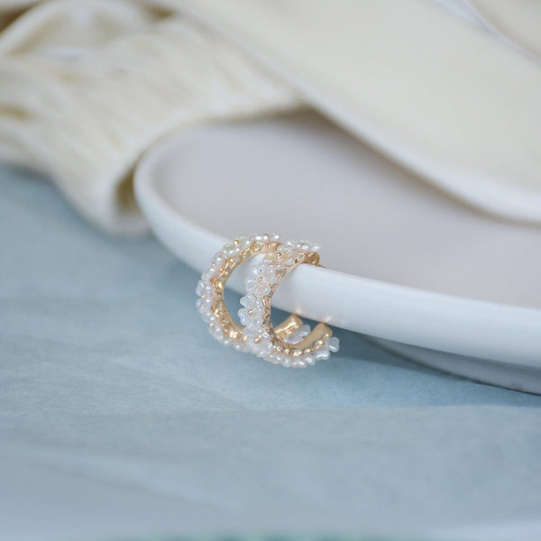 [SAMPLE SALE] Shell Flower Hoop Earrings 068 - Abbott Atelier