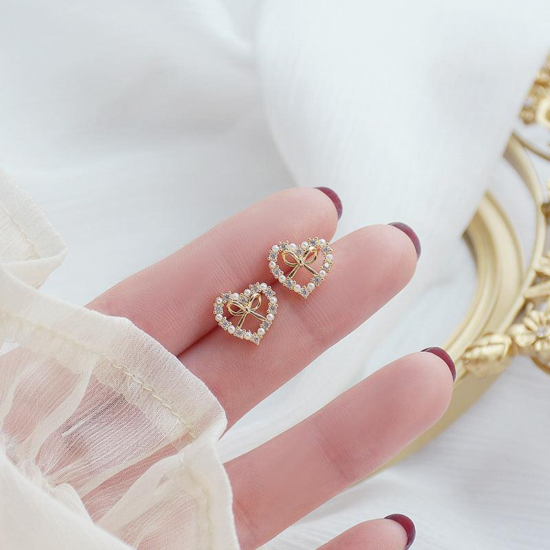 Heart & Bow Stud Earrings 367