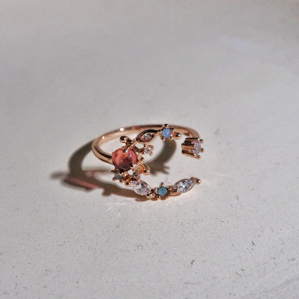 Crescent Moon Ring 005 - Abbott Atelier