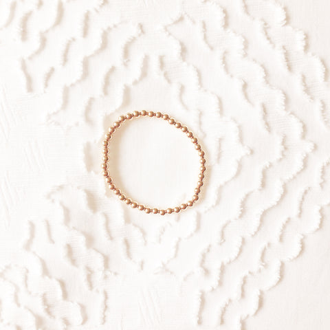 The Small Classic: Bracelet with Small Gold Beads