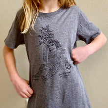 Load image into Gallery viewer, Isak Heartstone - Youth Tee