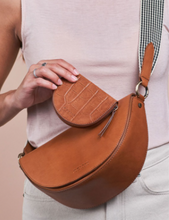 Afbeelding in Gallery-weergave laden, Laura's purse cognac croco classic leather - cognac
