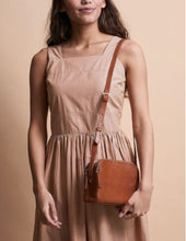 Afbeelding in Gallery-weergave laden, Emily cognac stromboli leather - cognac