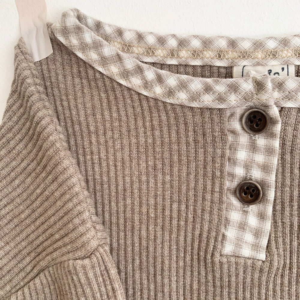 LOVIN' GINGHAM DETAIL TOP OAK