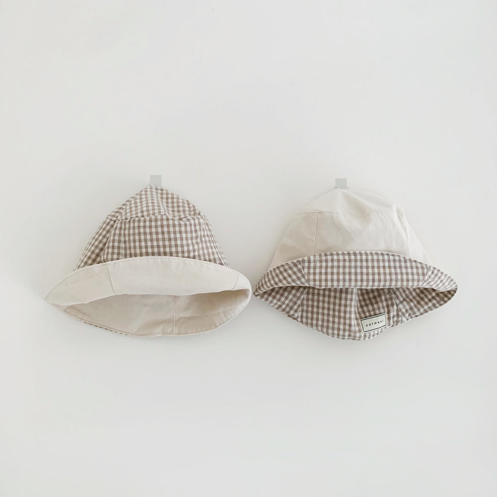 OATMEAL REVERSIBLE GINGHAM BUCKET HAT