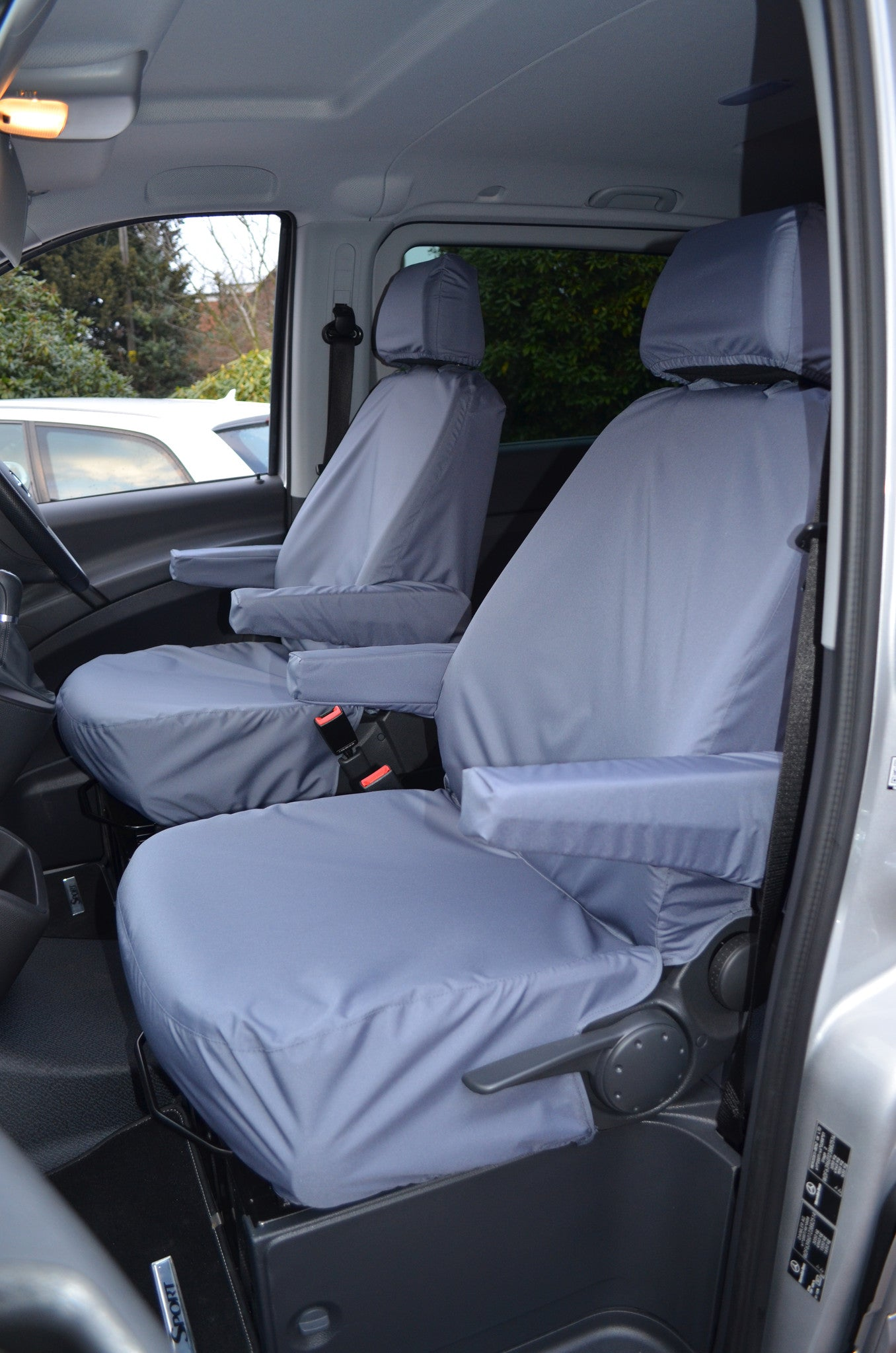 1 x Front - Single Heavy Duty Driver Captain Passenger Van Car Seat Cover Protector Waterproof For Mitsubishi L200 Single Cab BLACK