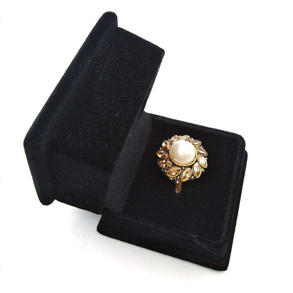 Beautiful Off White Stone Gold Ring