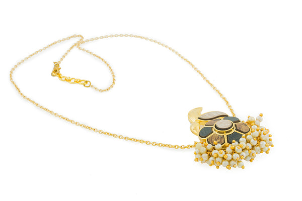 Narcissi Pendent Necklace