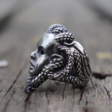 Load image into Gallery viewer, Snake Hair Medusa Ring