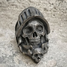 Load image into Gallery viewer, Death Knigh Skull Ring