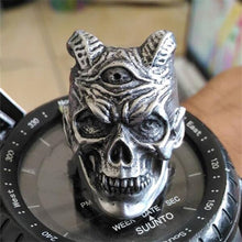Load image into Gallery viewer, Vampire Devil Skull Ring