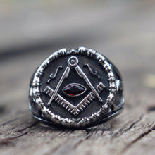 Load image into Gallery viewer, Vintage Masonic Ring