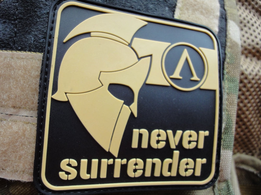 "Patch ""NEVER SURRENDER"""