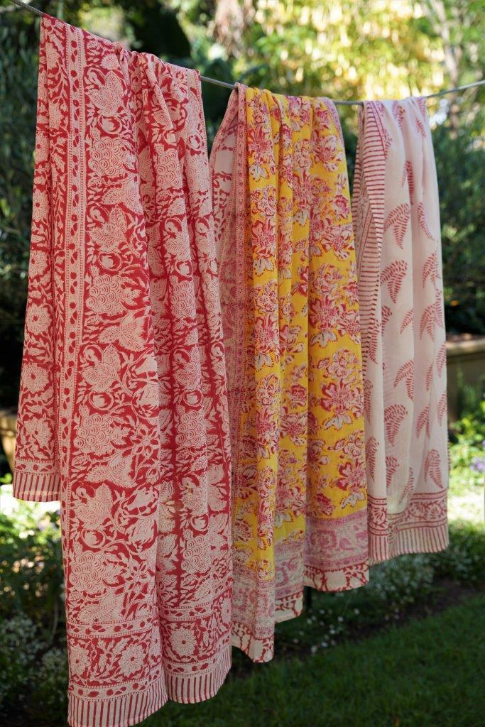 Red/White Floral Sarong - desray.co.za